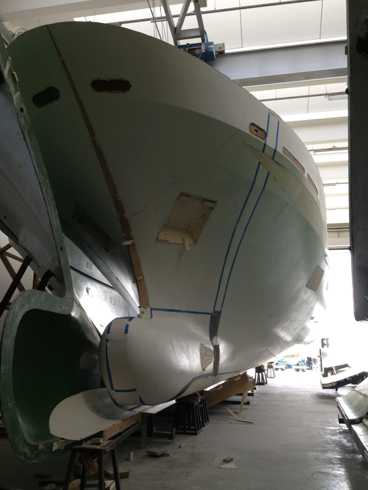 Yacht in Vetroresina Fasi di Costruzione