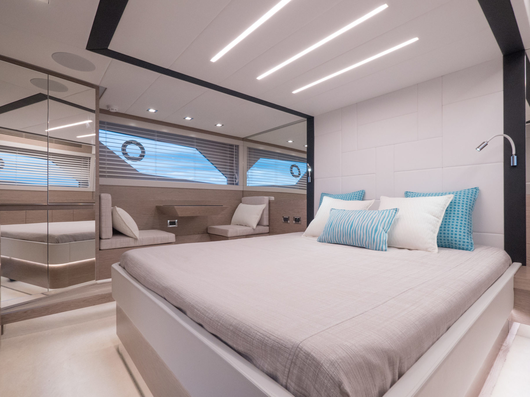 Boat Master Cabin Luxury S55