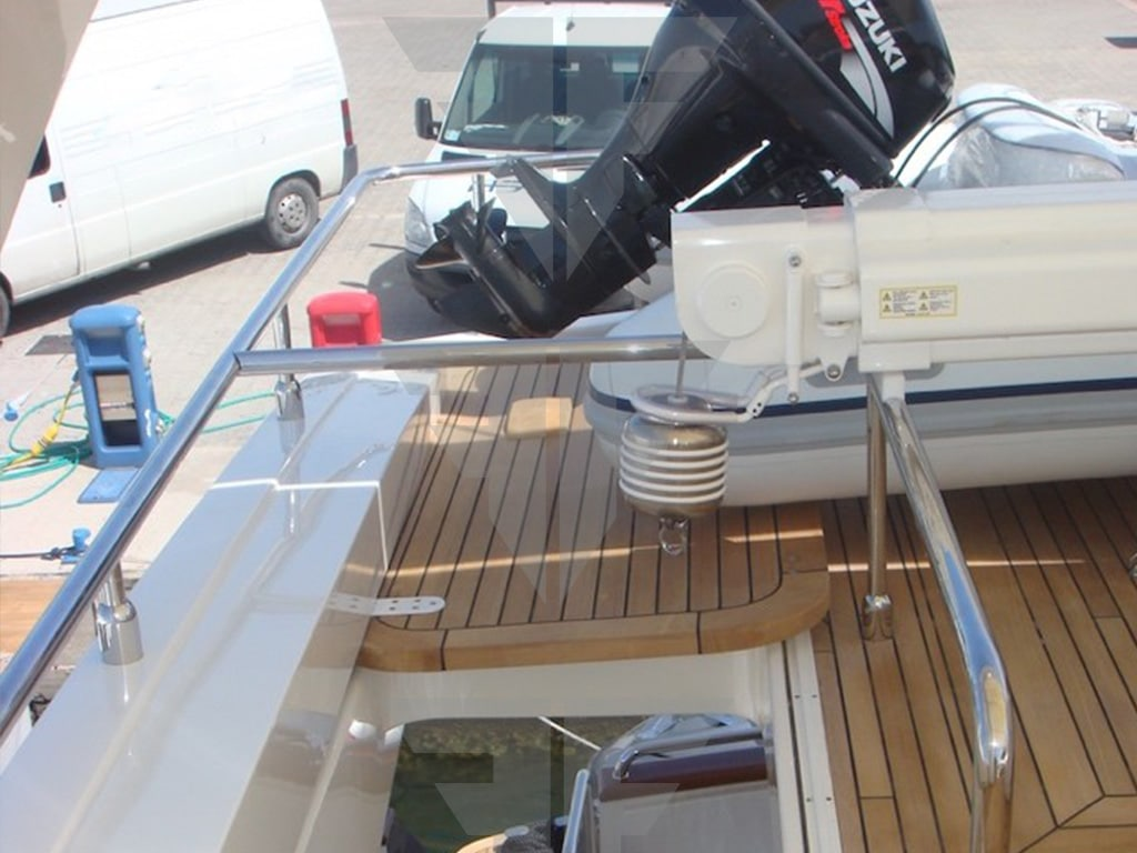 Exterior - Fly Bridge Yacht for Sale