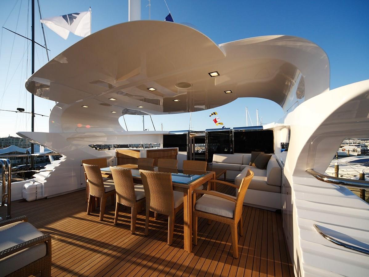 Navetta 26 displacement luxury yahct