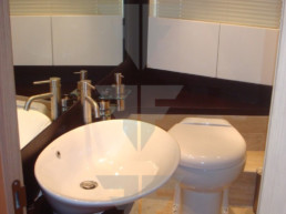 Guest Bathroom - Flybridge Yacht For Sale