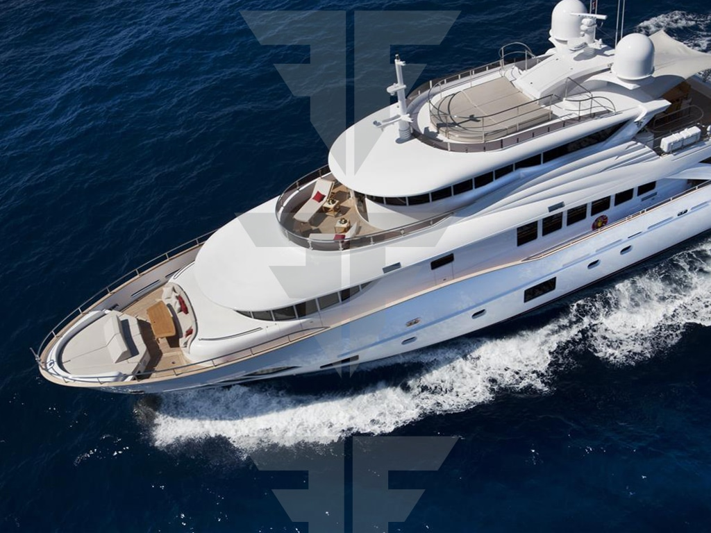 Navetta 30 meters displacement hull