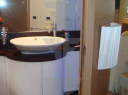 Master Bath - Flybridge Yacht For Sale