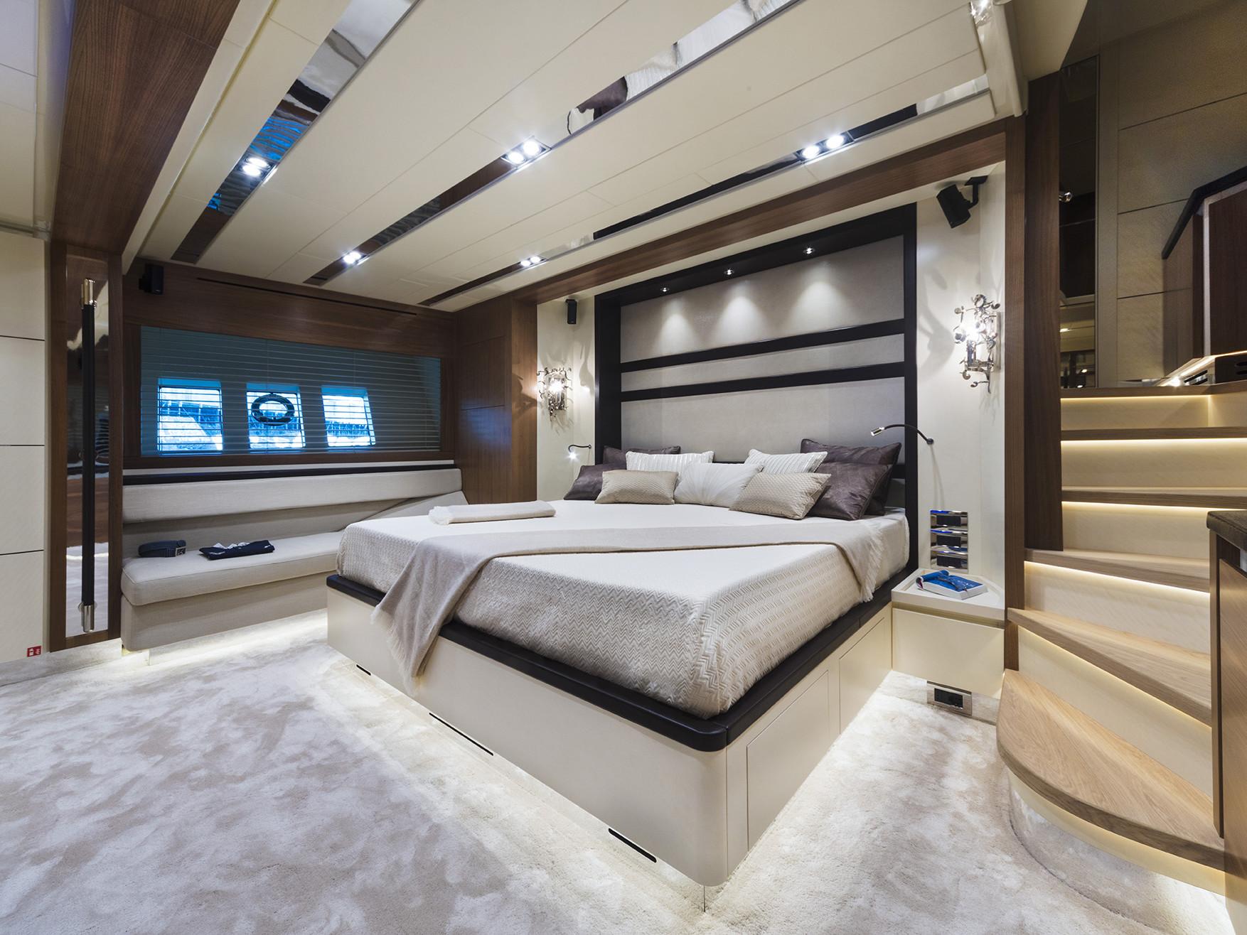 Master Cabin Customized 26 meters navetta