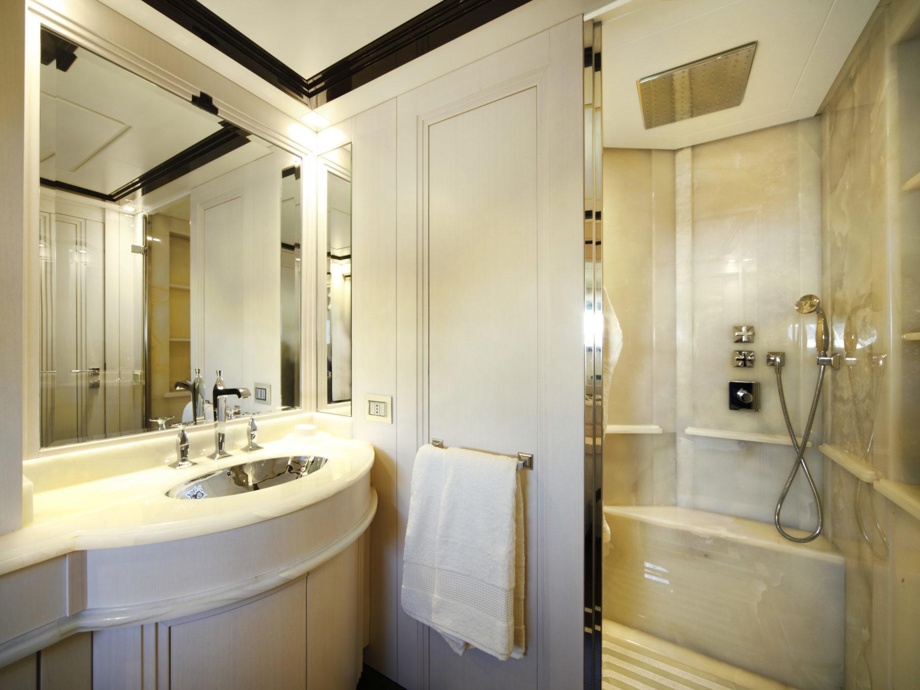 N26 Vip Cabin_Custom Luxury Yacht Filippetti (1)
