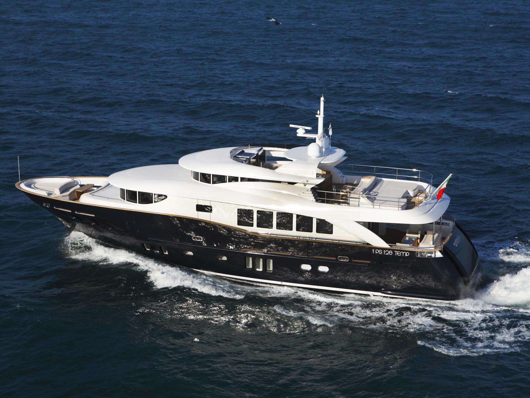 Navetta 26 meters long range yacht