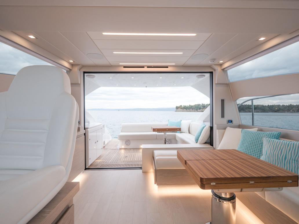 yacht sportivo alte prestazioni