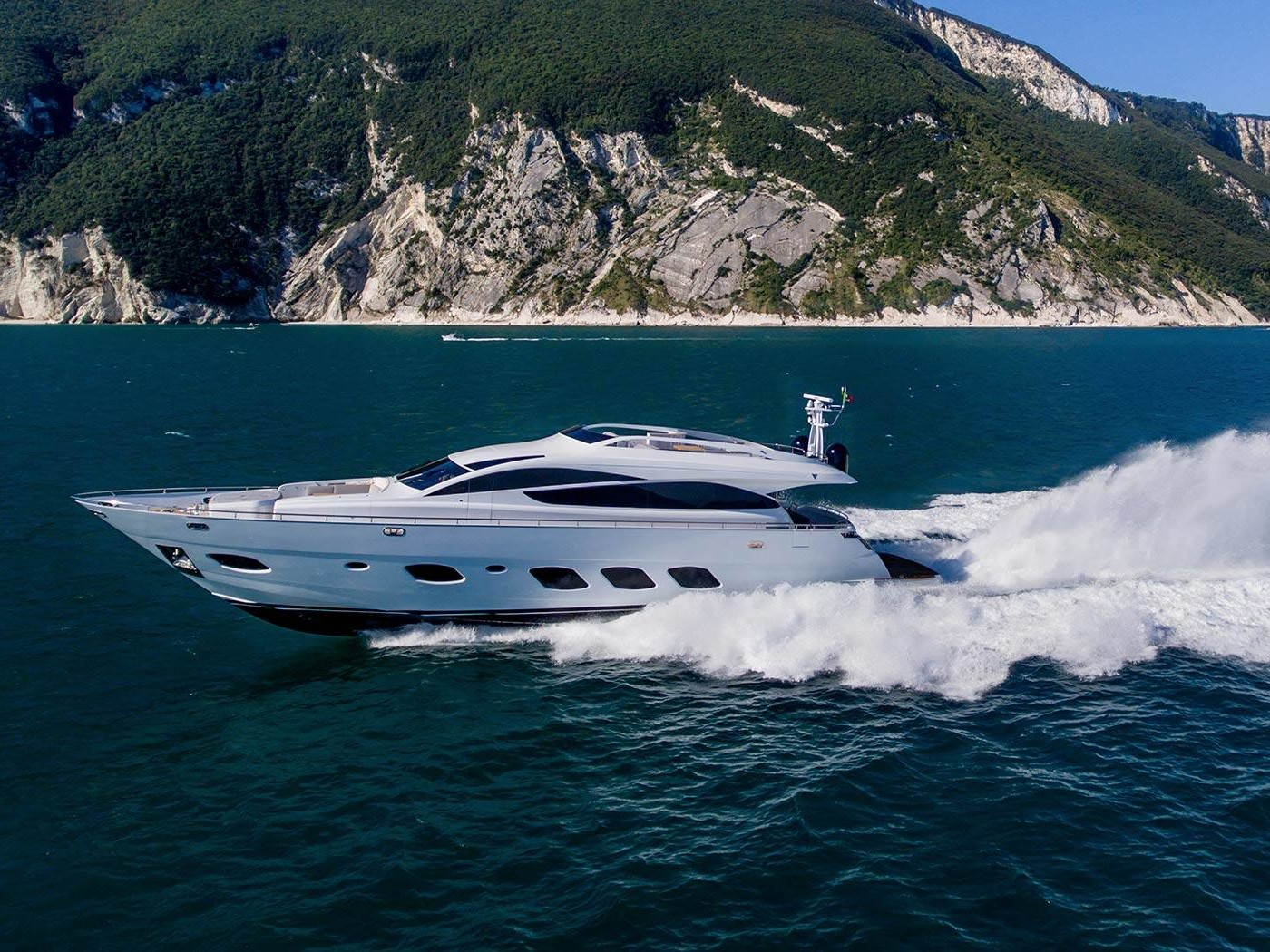 F93 yacht with Arneson
