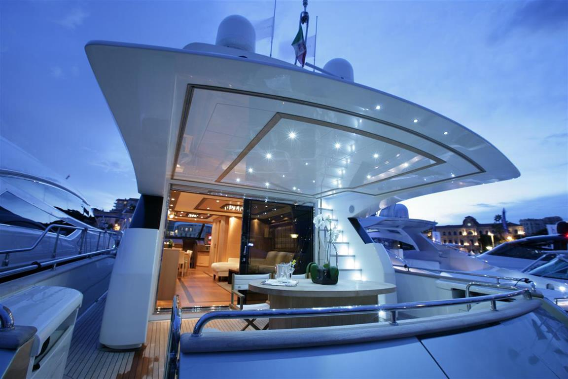 Luxury Yacht Fly for sale 76 feet
