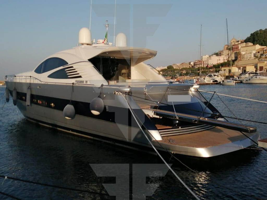 76 piedi Pershing Yacht Second Hand Exterior